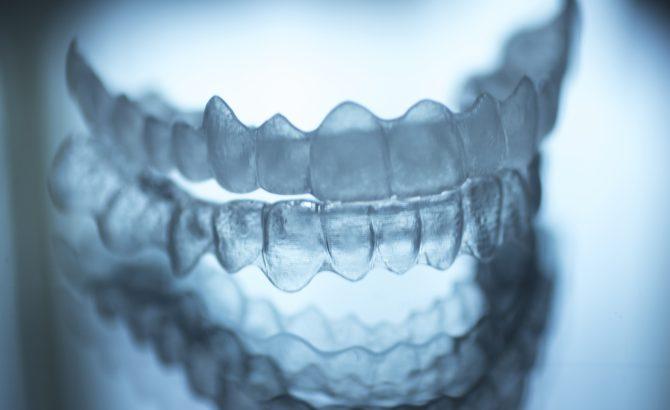 ¿Cómo cuidar los dientes después de la ortodoncia?