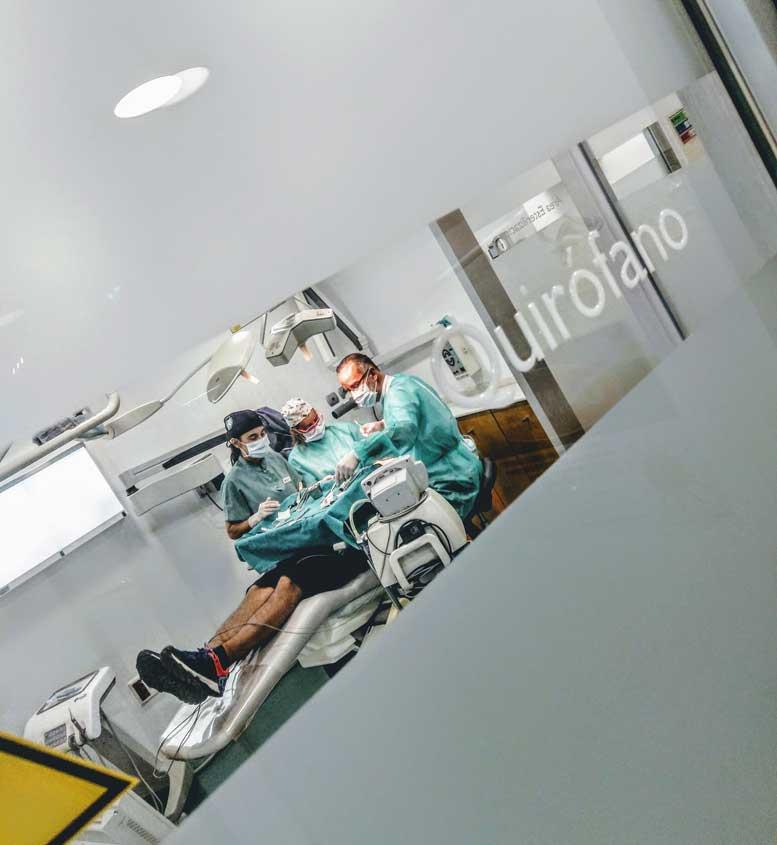 quirofano clinica dental Gijon