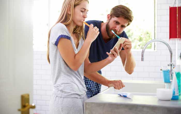 ¿Cómo cuidar tus implantes dentales en casa?