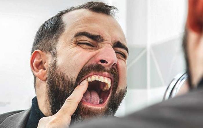 ¿Qué hábitos perjudican la estética de tus dientes?